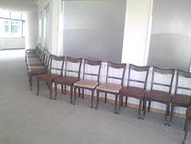 13階の椅子2